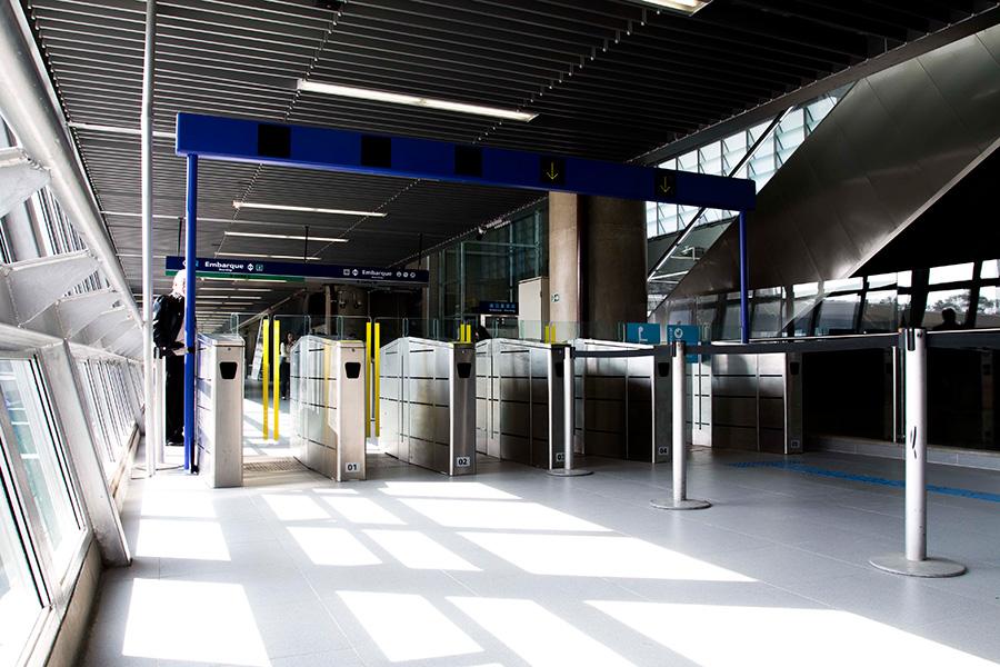 Governador sanciona lei do passe livre estudantil no Metrô, CPTM e EMTU