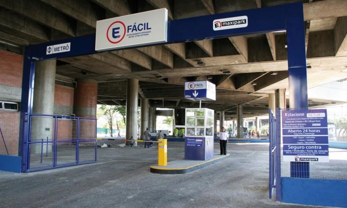 Estacionamentos E-fácil fazem integração do carro com o os transportes públicos
